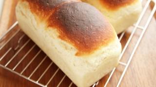 ミニ食パンとにんにく醤油