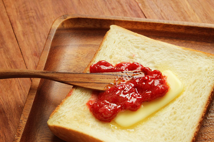 苺ジャムトースト
