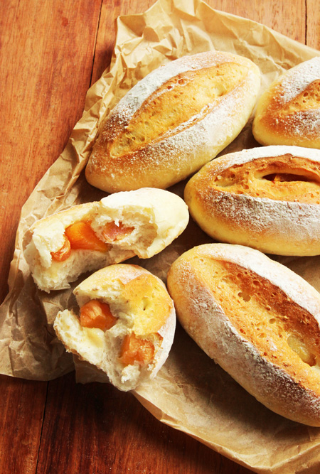 ラムあんずパン