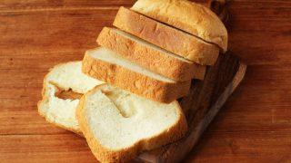 ホームベーカリーで焼いたパンにできる底穴を小さくする方法とは