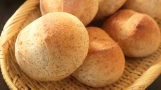 小麦胚芽のパンと自家製ヨーグルト