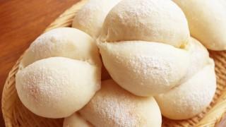 白パンと苺ジャム