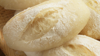 高加水パンの「手粉」に使っている粉の量って?